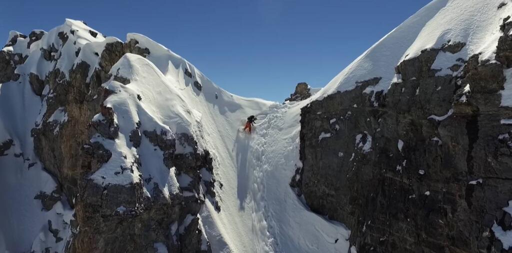 Dropping in Aiguille du Fruit