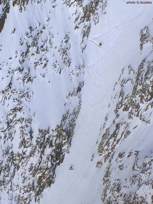 Riding the Domenech Col, Splitboard