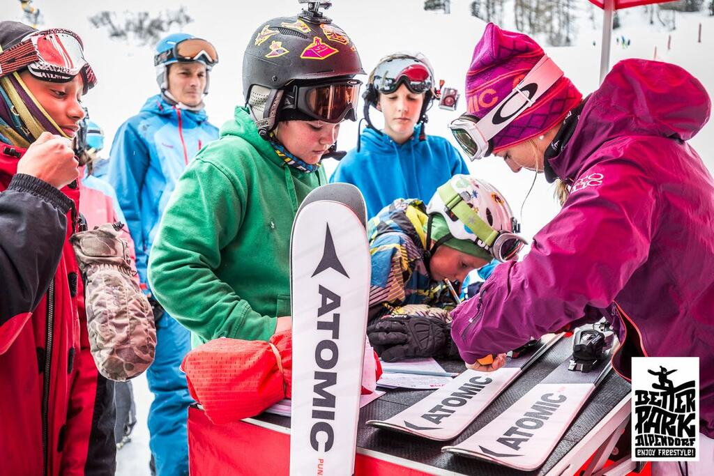 Freeski kids bei Atomic