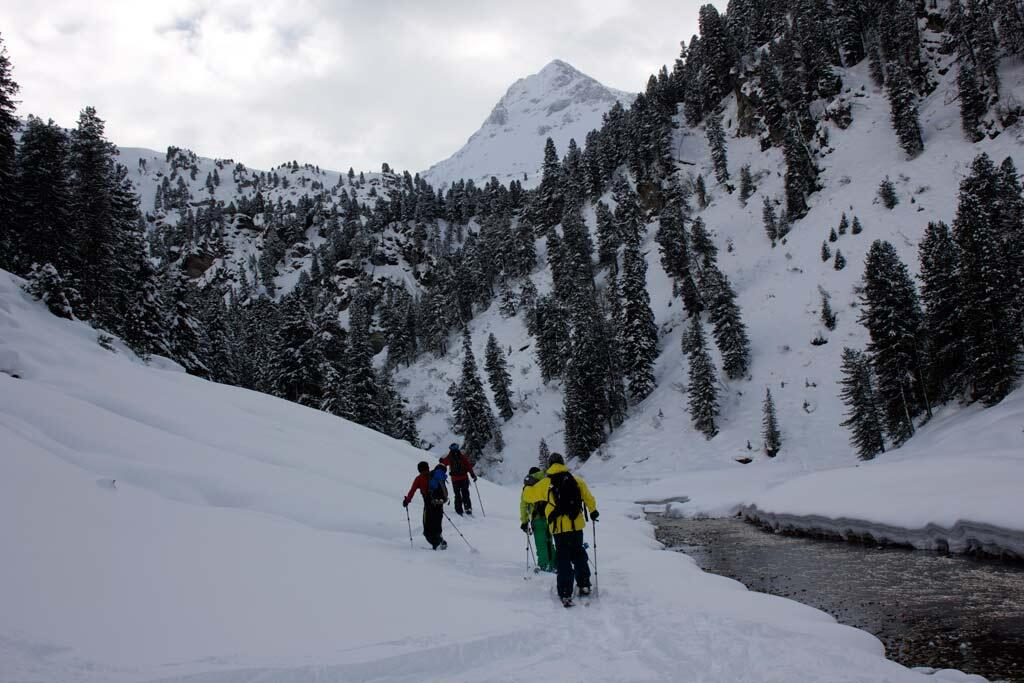 Splitboard Lovers getting out of the Backcountry