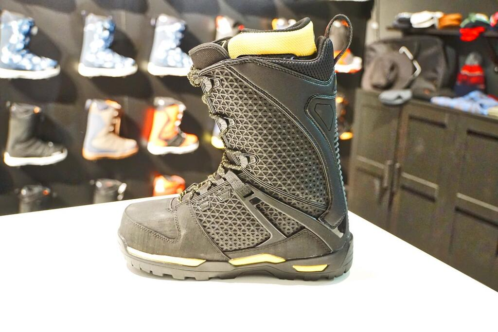 Jones Intuition Boot side