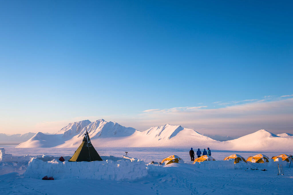 Splitboard Expeditions at the Arctic Circle, Basecamping
