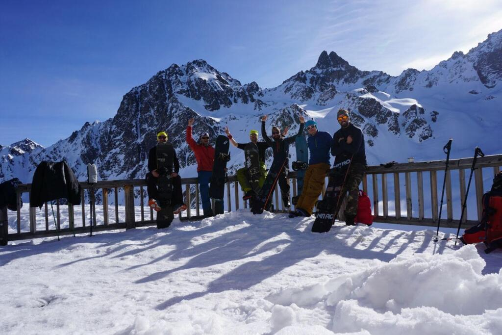 Splitboarding at Arlberg good crew