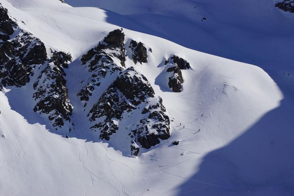 Splitboarding at Arlberg Snow, Rocks and Sun