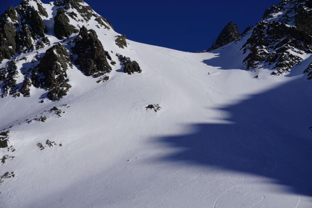 Splitboarding at Arlberg shadow-games