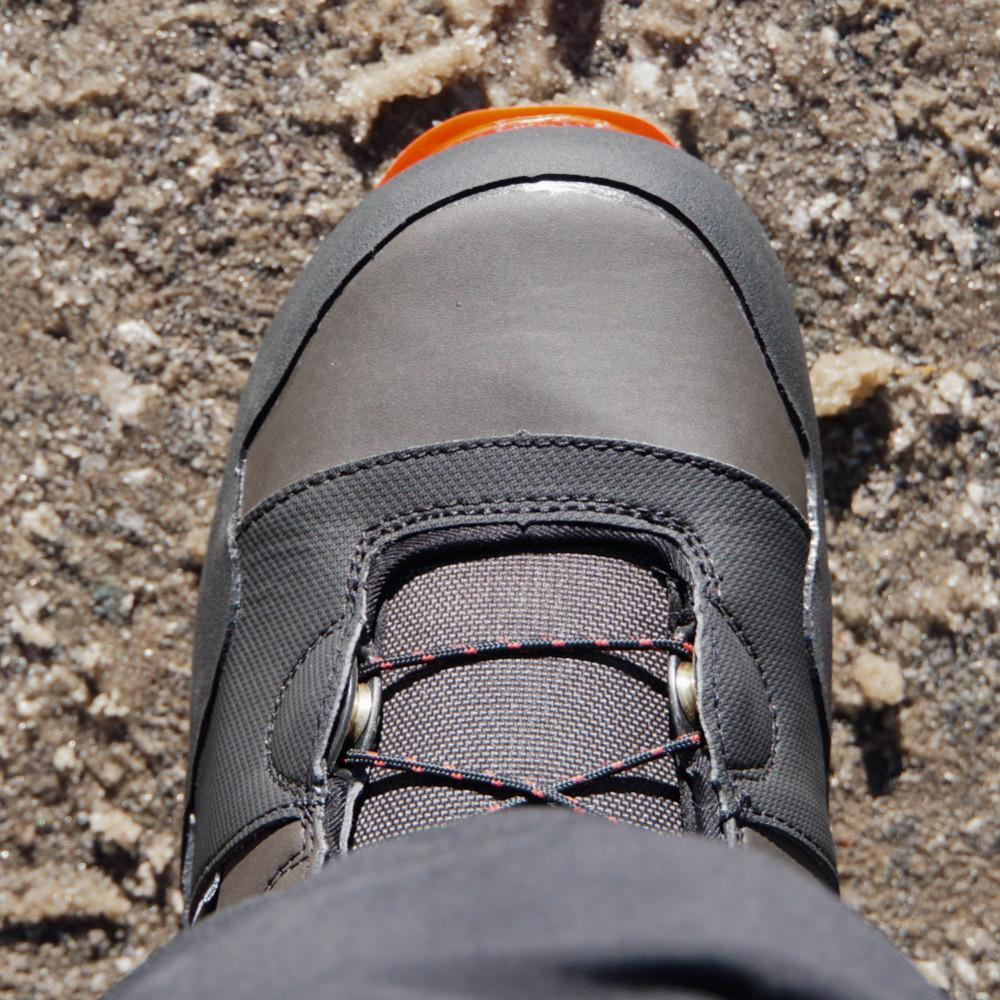 The red toe cap can be very useful when climbing down in rocky terrain