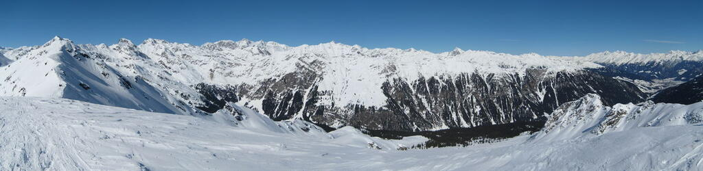 Panoramic View / Fleckner / splitboard / backcountry skiing, snowboard tour