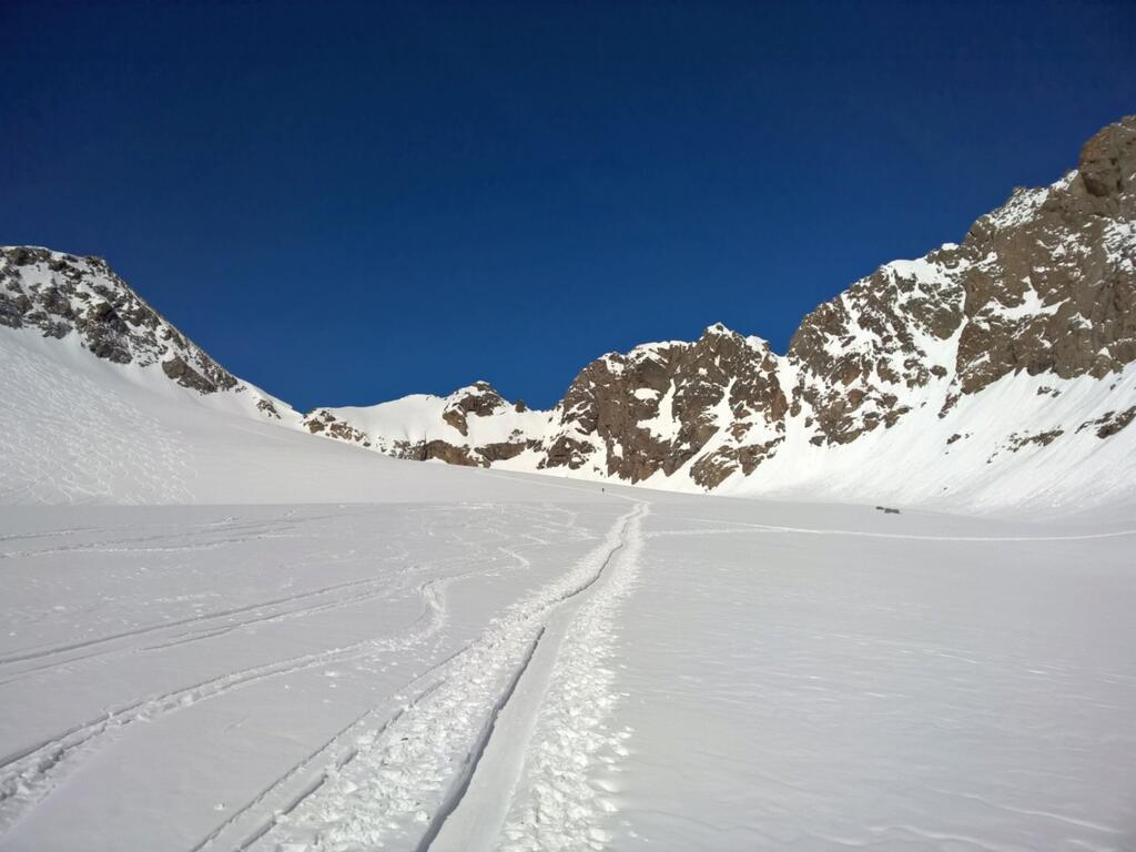 Turn off from the tour to Lüsener Spitze - on the right there is the path to Plattigen Wand