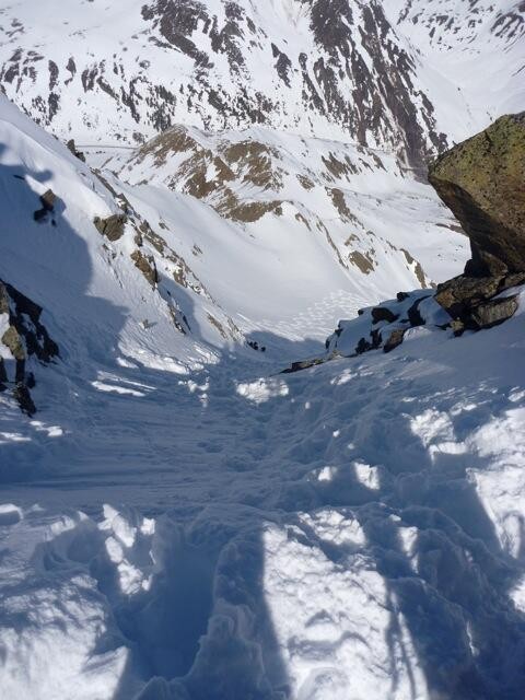 Chute of the North decent for excellent riders on safe days, Splitboard / backcountry skiing / Snowboardtour