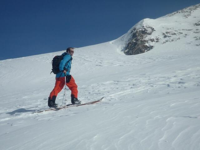Naviser Kreuzjöchl Shortly before the peak-ridge, Splitboard, backcountry route, Snowboardtour