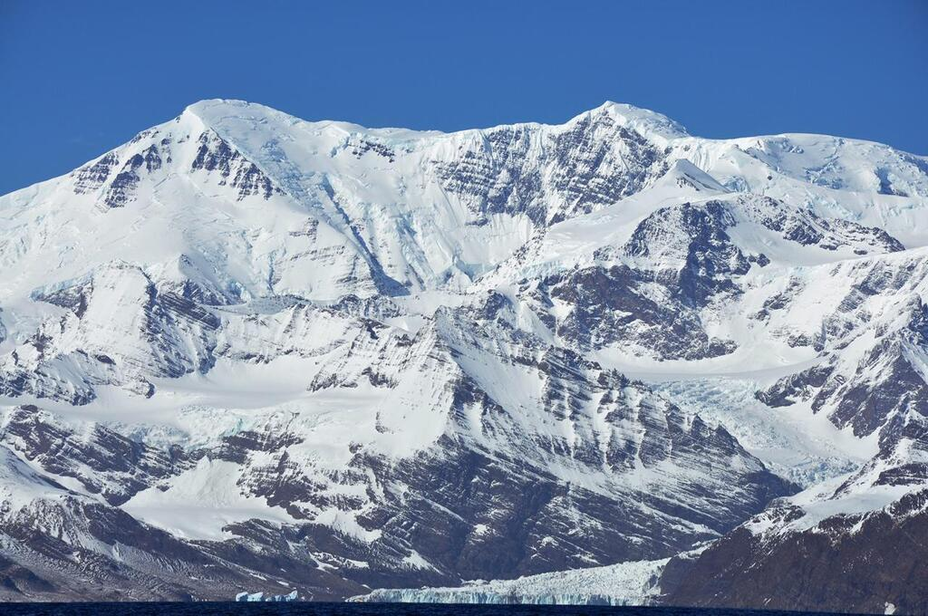 South Georgia - Mount Paget (2934m). Photo courtesy of Serge Ouachée - CC BY-SA 3.0